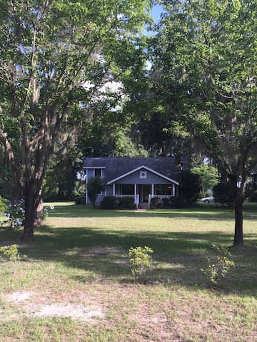 Florida Cracker Style Home and AgriTourism Site - Live Oak - Dom
