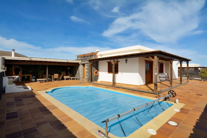 Villa Reguera Private Pool 3 Beds!