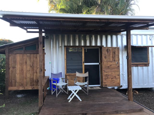 Paradise Palm Lodge