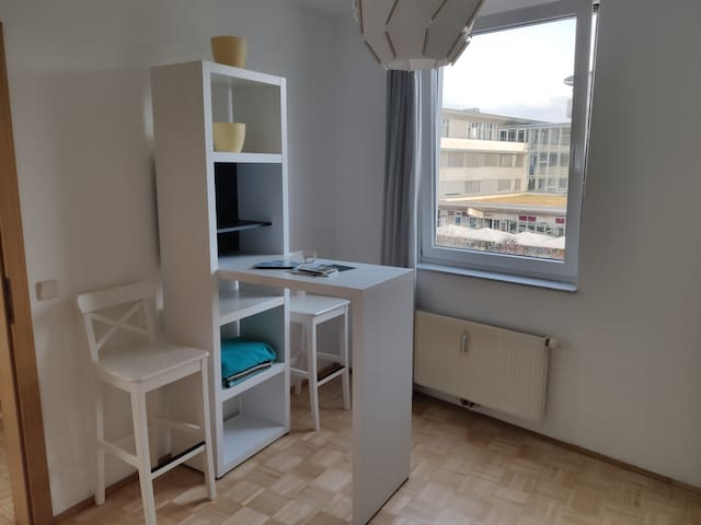 Cosy apartment close to the lake (private parking)