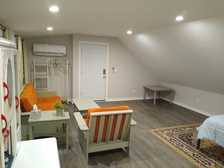 Large Studio with Private Yard and Farm Animals