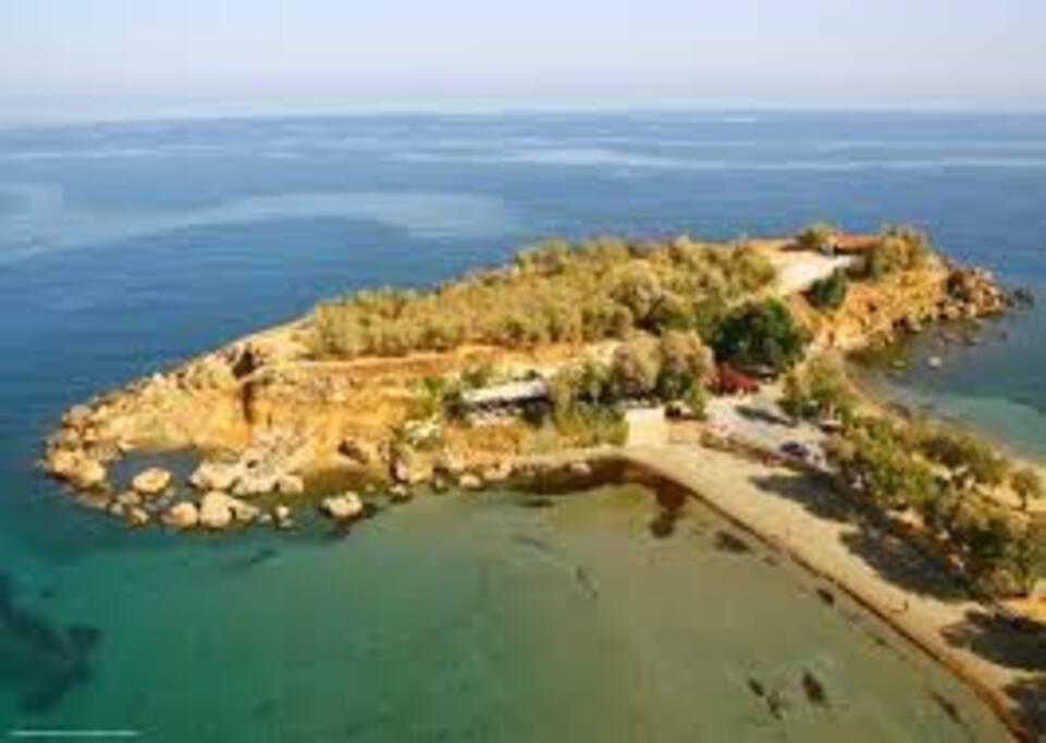 Agii apostoli beach  100m from posto studios