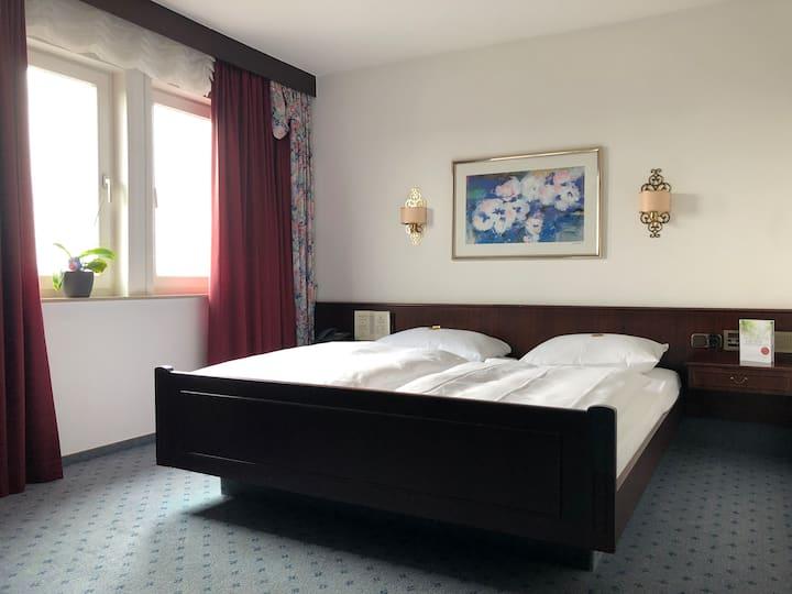 Dreibettzimmer in privat geführtem Hotel (4)