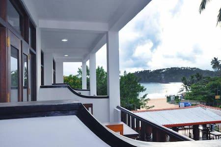 Randiya Sea View Hotel - Mirissa