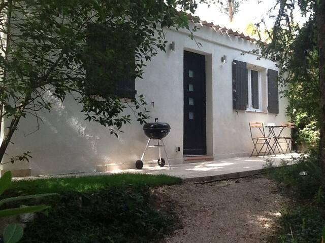 dépendance dans notre propriété - Cabriès - Villa