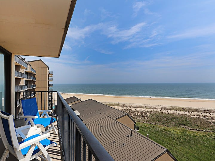 Sea Colony 7th floor condo w/ elevator, free WiFi, shared gym - ocean view!