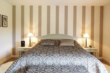 Hôtel Lafarques - Pepinster - Boutique-Hotel