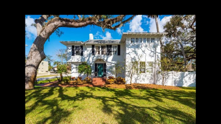 Grandma's Garden Apartment. Historic Ormond Beach