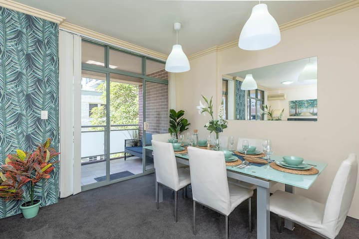 Beautiful 2BR Apt Darling Harbour 61 FREE PARKING