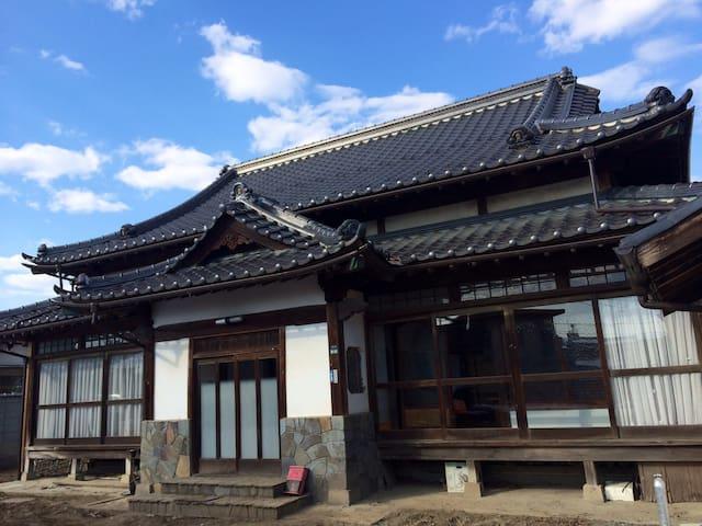 元お寺の一戸建て・駐車場多数あり - Kōfu-shi