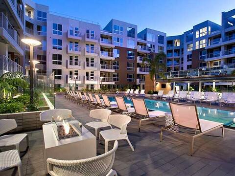 Luxury resort like  in heart of West Hollywood