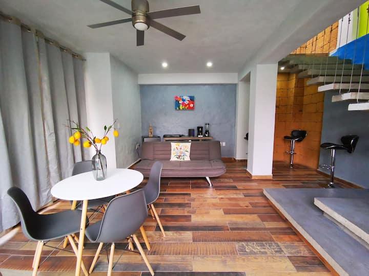 Bonita casa minimalista alberca y jardín privados