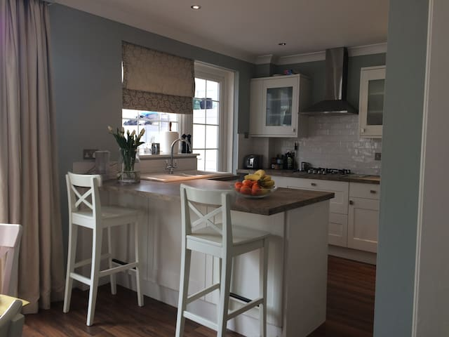 Lovely house just off the high street! - Lymington - Huis