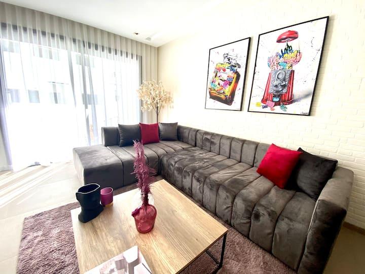 Metropolitan 19 - New & sunny 2 bedroom w/ terrace