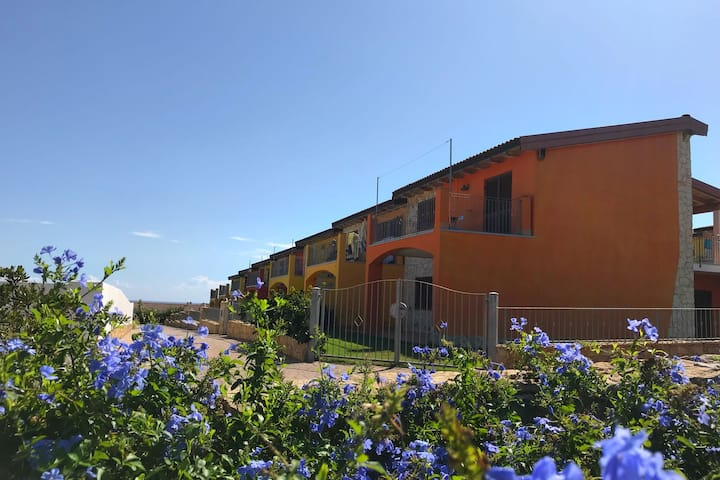 Panoramic villa with pool, 200 meters from the beach