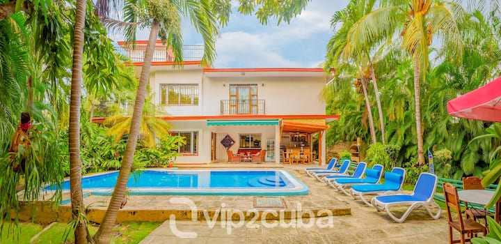VIP Luxury Paradise 6BR Villa with pool in Miramar