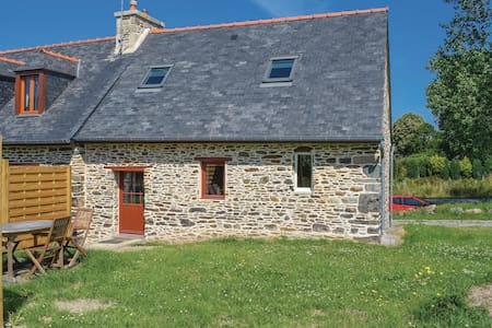 Semi-Detached with 1 room on 65m² in Minihy Treguier