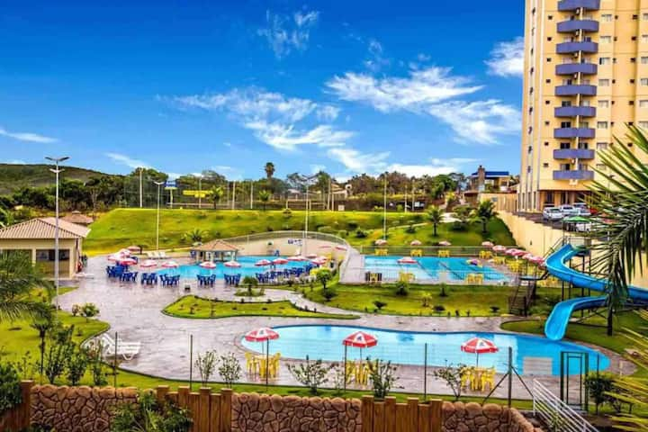Flat Golden Dolphin Express um Resort de Piscinas