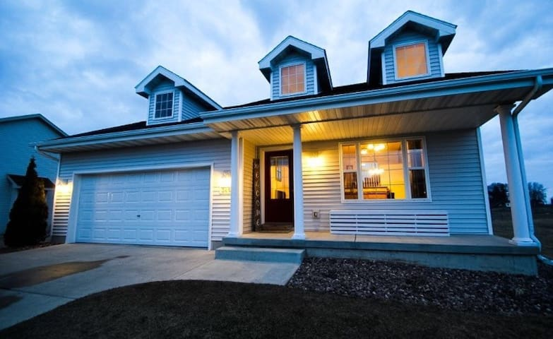 Beautiful new Home! Entire house! Great getaway!