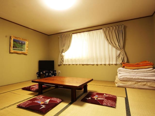 Experience a mountain lodge stay! Enjoy your leisure time at the base of Kamikochi  山小屋に泊まろう!時間を気にせず上高地の拠点に(朝食付)