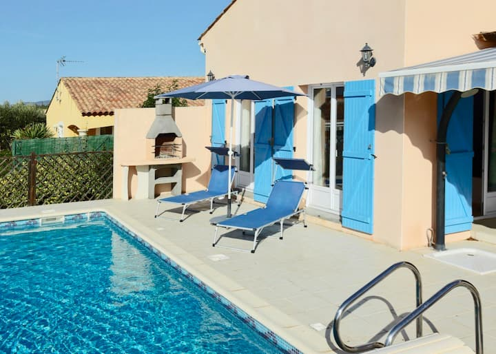 Pezenas Villa, 20% OFF. Pool and Bedroom AirCon