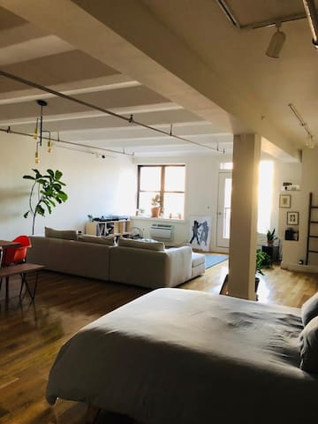 BEAUTIFUL LOFT IN DUMBO