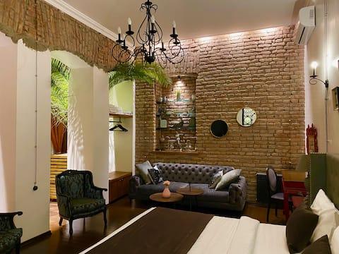 D&N - Апартаменты Peter 's Palm в центре Тбилиси