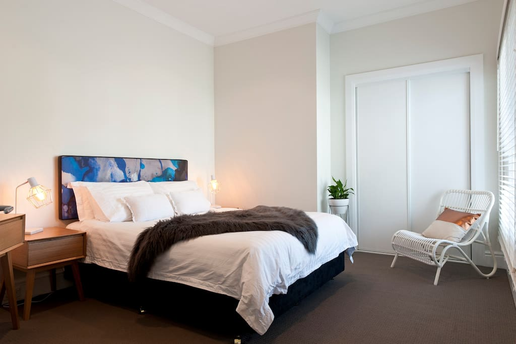 1 Bedroom Fully Self Contained Apartment with Queen Size Bed