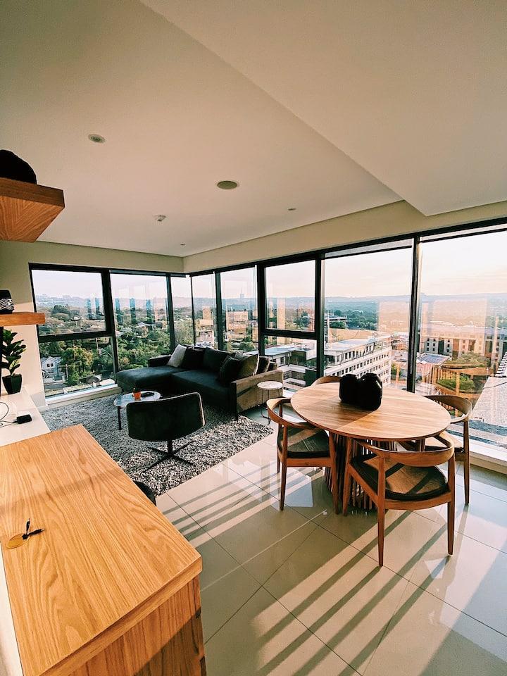 Beautiful apartment close to Rosebank Corporates