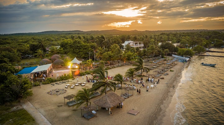 Fenix Beach Hotel - Cool and Eco-Friendly Rooms