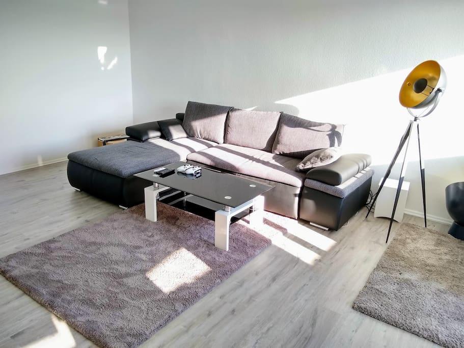 32qm zimmer in moderner 2er wg zentral apartments for. Black Bedroom Furniture Sets. Home Design Ideas