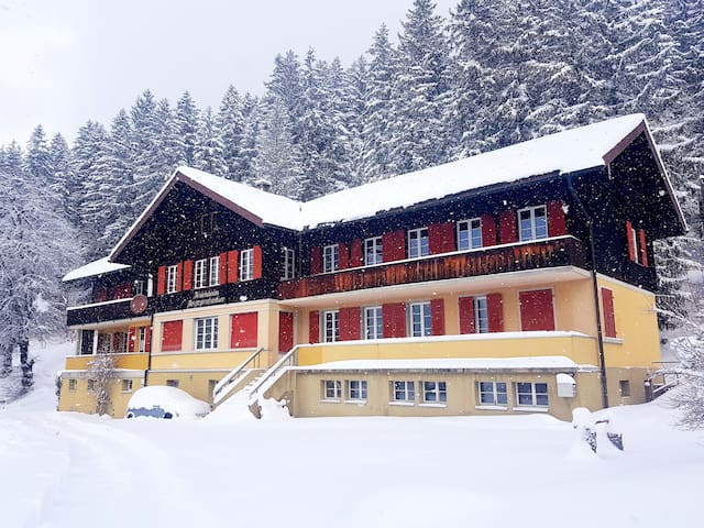 Eiger Private Rooms Appart (6 guests)