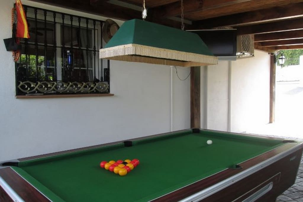 Free to play Pool Table