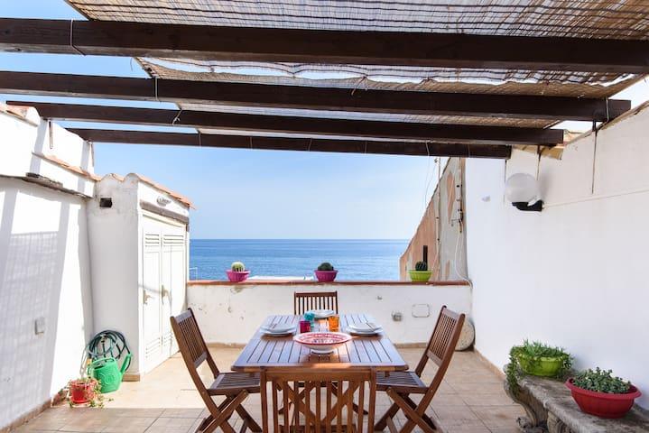 Levante Seaview