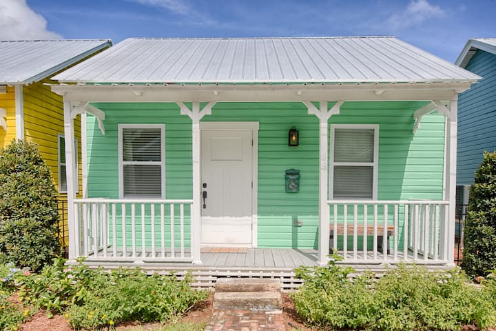 1825 Historic Uptown Cottage / Walk Everywhere
