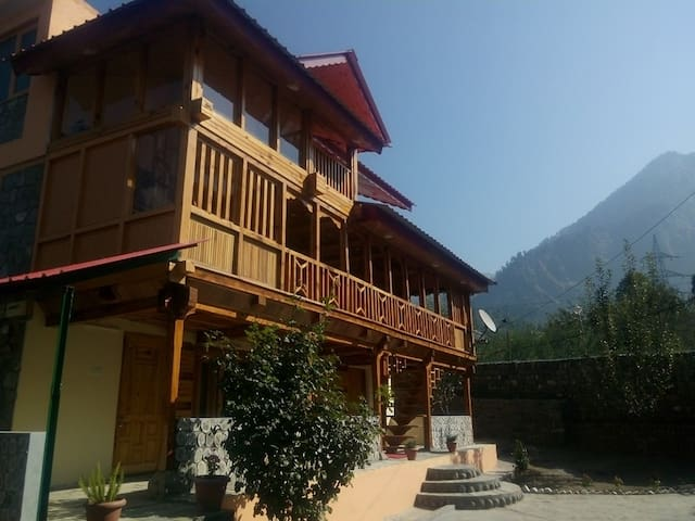 Small Cottage On Manali Naggar Road - Manali - Ev
