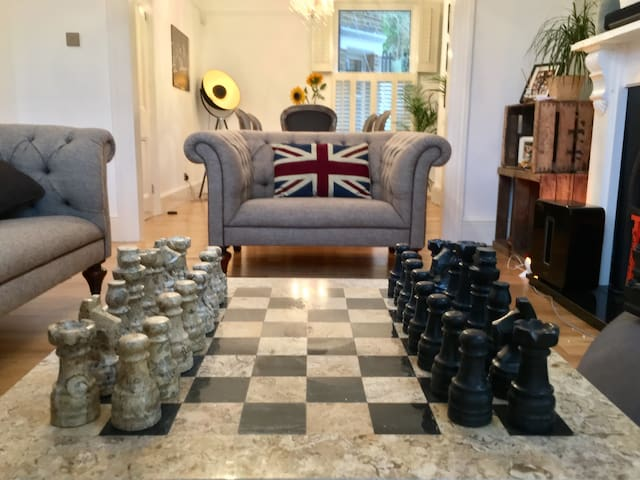 Double bed in Luxurious Home - London - Hus