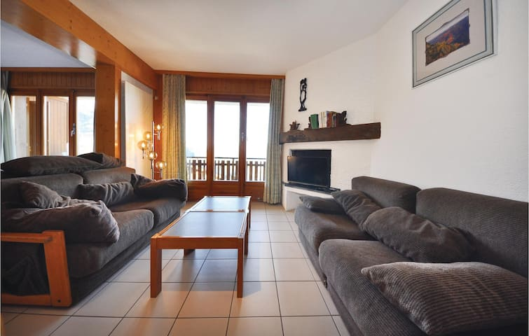 Holiday apartment with 1 bedroom on 40 m² ZWA151