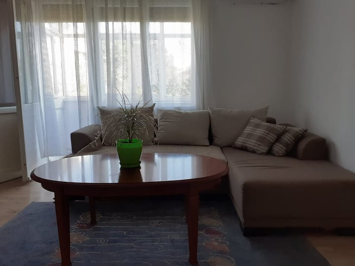 Cosy apartment close to train station