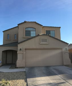 Whole house for rent, 2 BR with a loft, 2 1/2 bath - Glendale - Casa