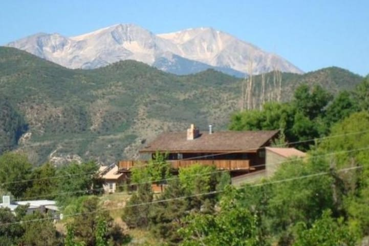 Panoramic views from the 900sf wrap around deck! Enjoy views of Mt. Sopris/Roaring Fork Valley/Aspen Mtn/Frying Pan!!