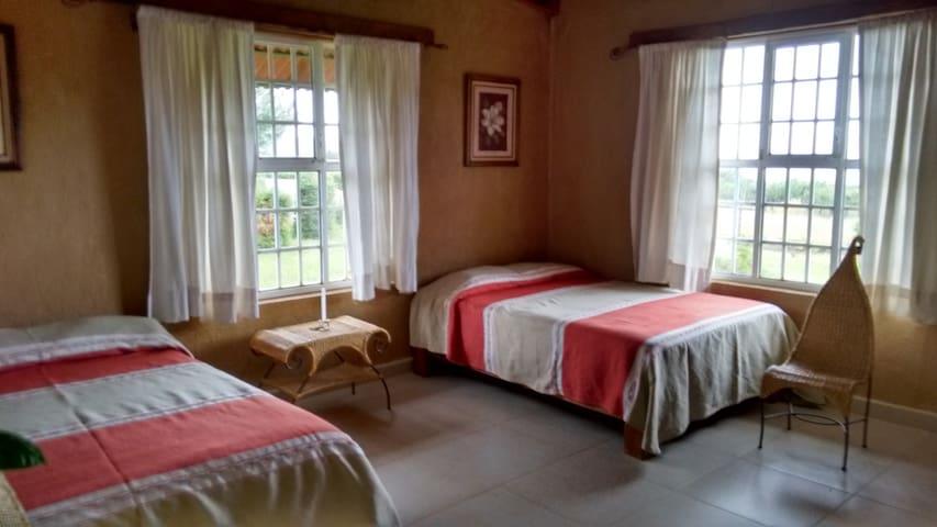 BED&BREAKFAST 4p HACIENDA TEMAZKALLI ERONGARICUARO - Erongarícuaro - Bed & Breakfast