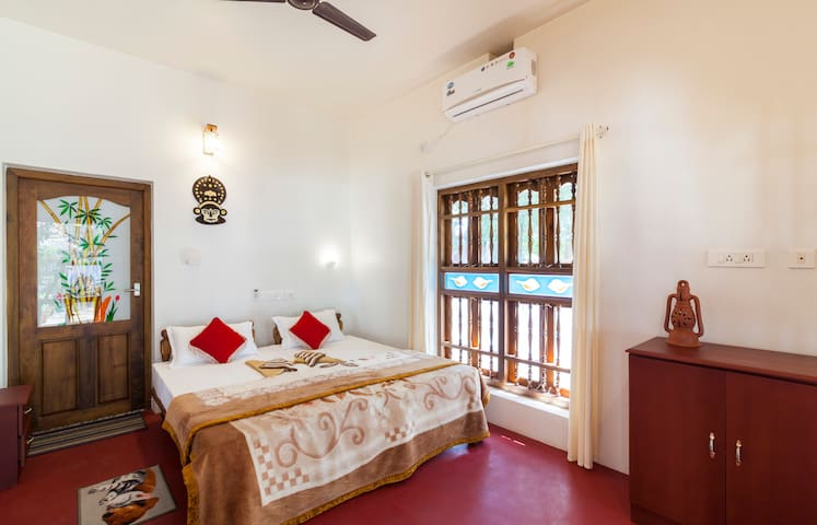 Amrita Villa- A Hide out place near Marari beach - Mararikulam - Talo