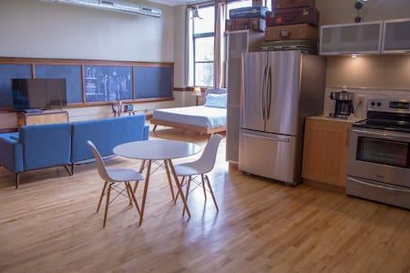 School 31 Luxury Loft 209