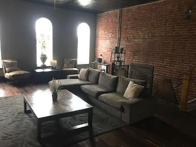 Teluwut Loft Apartment
