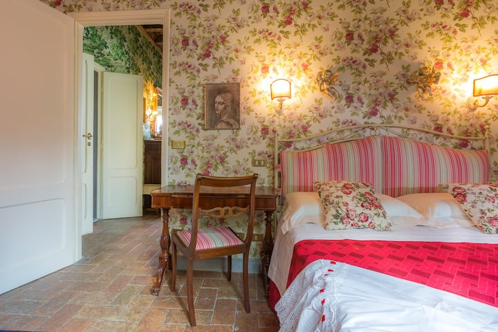 Standard @ Casina degli Specchi, Historic house