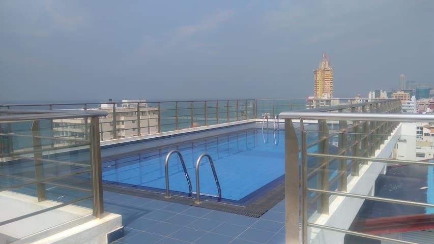 3 BR Apartment with Swimming Pool - Sea View