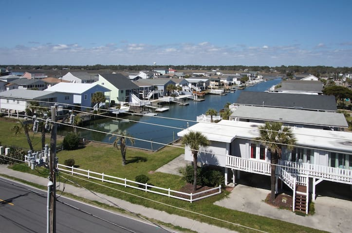 Neighborhood,Building,Urban,Road,Water