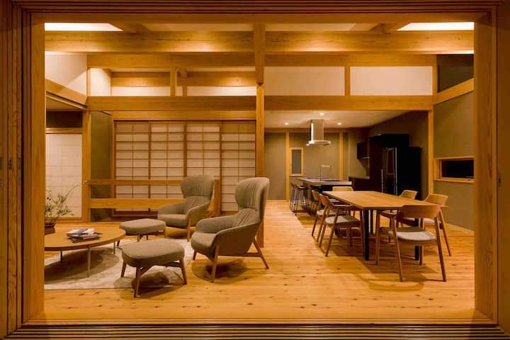 ゆったりと過ごせる 木のぬくもりの貸切別荘 Japanese cedar wood  Villa