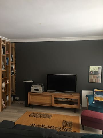Cosy room in a Retro flat in the Heart of Kadikoy